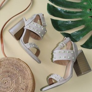 Shoes - 🆕//The kehlani// taupe studded Sandal
